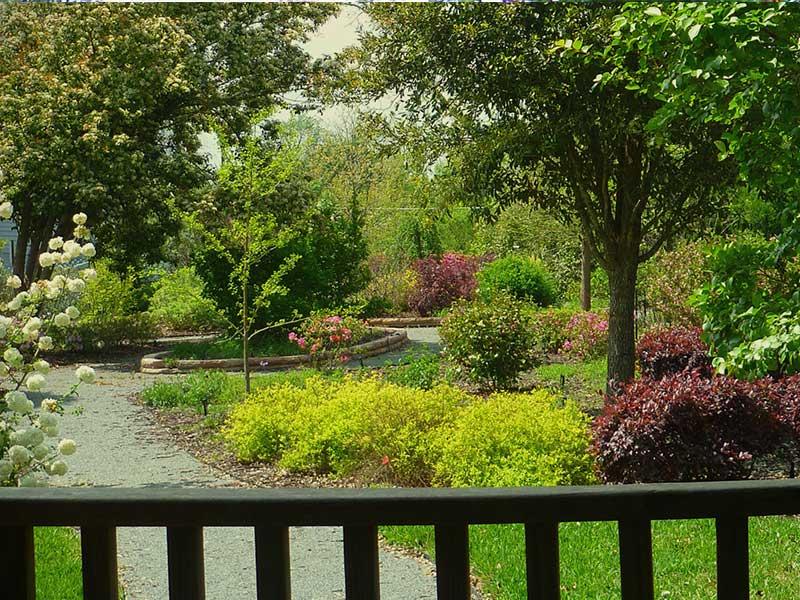 Gazebo Garden | Americus Garden Inn near GSW