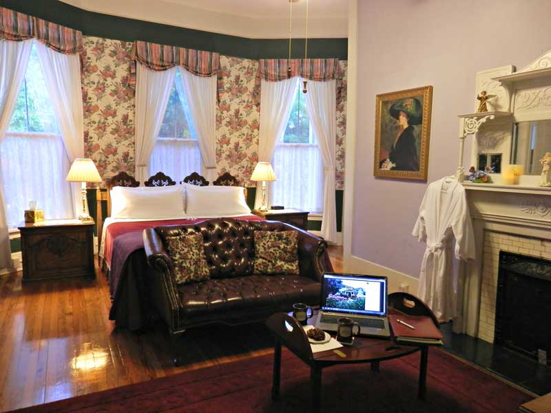 Veranda Suite | Americus Garden Inn Bed & Breakfast, Georgia