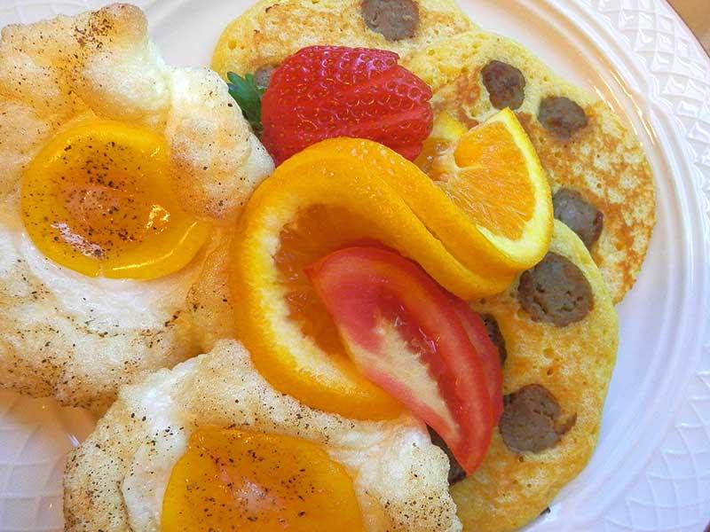 Eggs with Sausage Cornmeal Pancakes | Americus Garden Inn near GSW